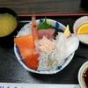 魚河岸処 仙 - 料理写真:日替わり丼¥700