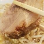 ラーメン二郎 - 豚(・∀・)
