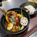 Spice&mill - 野菜たっぷりカレー 1280円(+ハーフチキン 150円)