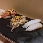 立ち食い鮨 鈴な凛 - トロタタキ炙り 220 炙りげそマヨ  110×2 つぶ貝     110×2