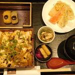 良彌 - 照り焼きおぼろ豆腐重御膳(赤だしのふたを開ける前)