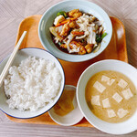 三浦食堂 - 料理写真:【酢豚定食】¥700