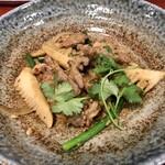 大衆中遊華食堂 八戒 - ラム肉の中華スパイス炒め ハーフサイズ