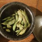 いろり 燻 - 燻製枝豆