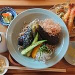 手打そば食堂 たぐる - 料理写真:揚げナスおろしそば 天ぷら盛り合わせ