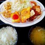 味処天神丸福 - ミックス定食:880円