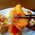 味処天神丸福 - チキンカツはソース味とチリ味で