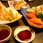 13680254 - 天ぷら盛り合わせ、竹にぎり、特選穴子握り(塩・タレ)