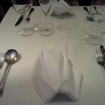 13680607 - きれいなテーブルセッティング