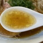 136807058 - スープは以前とは異なり、鶏と豚のダブルスープにリニューアルされました