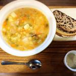 MUKU cafe - キヌアのスープ