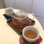 茶のちもと - セットのほうじ茶
