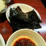 別味食堂 - 定食なんで、ご飯と海苔が付いてました。
