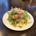 とんとこ豚 浜松 - 大根と水菜のサラダ