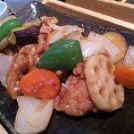 大戸屋 - 料理写真:鶏と野菜の黒酢