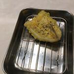 麺散 - きすの梅紫蘇天 300円(税込)