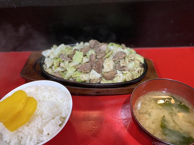 鉄板焼肉 大当り 本店の料理の写真