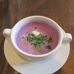 イゾラ スメラルダ - 前菜:紫芋の冷製スープ