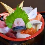 魚亭 岡ざき - 特選ちらし(アップ)