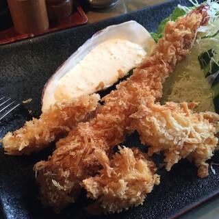 クローバーステーキハウス - 料理写真:海老・帆立貝・イカ・白身魚