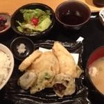 ちゅう兵衛 - お昼の定食。野菜天ぷら定食。ゴハン、お味噌汁はおかわり自由。