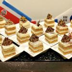 グランサンク - イタリアの風 マスカルポーネチーズのティラミス・ドルチェ@コーヒーがしみたジェノワーズとマスカルポーネのケーキタイプティラミス