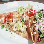 Cantinetta Buzz - lunch;半熟卵を包んだそば粉ガレット〜小海老と高原キャベツのマリネ、トマト マヨネーズソース 2020/09/18訪問