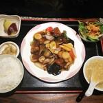 フュージョン - 日替わり定食(酢豚)900円
