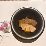 136878922 - 静岡産黒毛和牛すきやき、たまご、白トリュフ