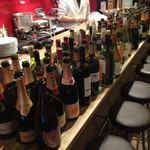三ッ寺バル SHARE -  50種類のワインと、病み付き間違いなしトマトスープおでん!?!とタパスをお楽しみください。