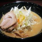 萬馬軒 - 味噌870円(試食なので無料)