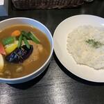 136883079 - チキン野菜(知床産もも肉ソテー)、1,900円