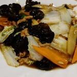 燕京飯店 - 豚肉とキクラゲ炒め、キクラゲが多くて豚肉や野菜と食べると美味しい。