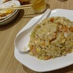 燕京飯店 - ニンニク炒飯