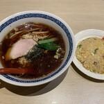 珍来亭 - 醤油ラーメン&半ちゃん
