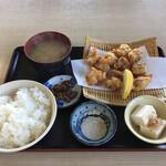三輪 - 料理写真:からあげ定食