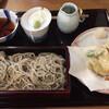 手打ちそばよし田 - 料理写真:海老野菜天せいろ。左上は天つゆ、孫右がそばつゆ