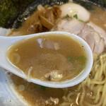 らーめん ひとふんばり - スープ