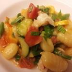 オステリア バルカ - ジャガイモのニョッキ、鵠沼野菜のソース