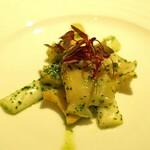 コグスダイニングカグラザカ - 真つぶ貝とホワイトアスパラのソテー エスカルゴバターソース