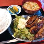 もりちゃん - カルビ定食 800円