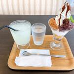 高知アイスカフェ よさこい咲都 - 土佐のおやつパフェ、ゆずジュース