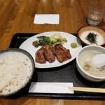 仙台牛たん 荒 - 定食。
