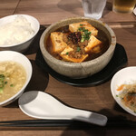 Kozarachuukamomoten - 麻婆豆腐ランチ ※餃子が後から提供されました