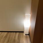 居酒屋 絃 - 廊下の照明