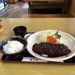 三和 - 料理写真:厚切り味噌かつ定食¥1500 山椒の粉がかかってます。