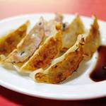 餃子八番 - お肉タップリ