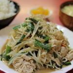 餃子八番 - 肉ニラ炒め定食750円