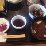 田や - 小鉢・お味噌汁・漬物