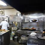 スパイスマジック カルカッタ - 厨房が見えました!!